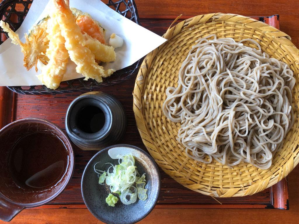 よこ亭の天ぷら蕎麦